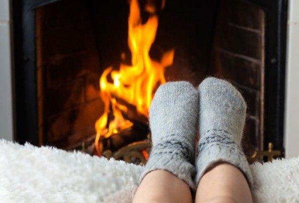 обязательно держите ноги в тепле