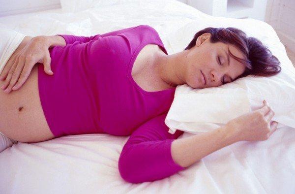 Не переносите простуду на ногах, как следует отлежитесь