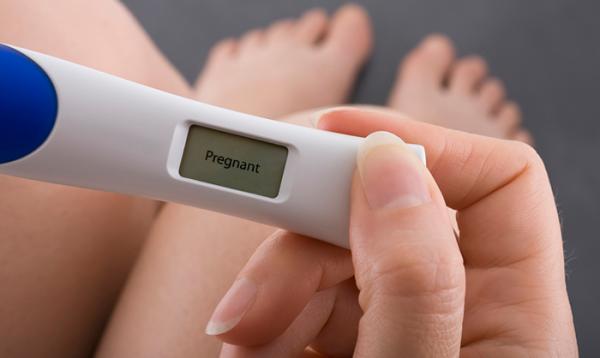 Как только Вы узнали, что беременны, с помощью анализа крови узнайте свой резус-фактор