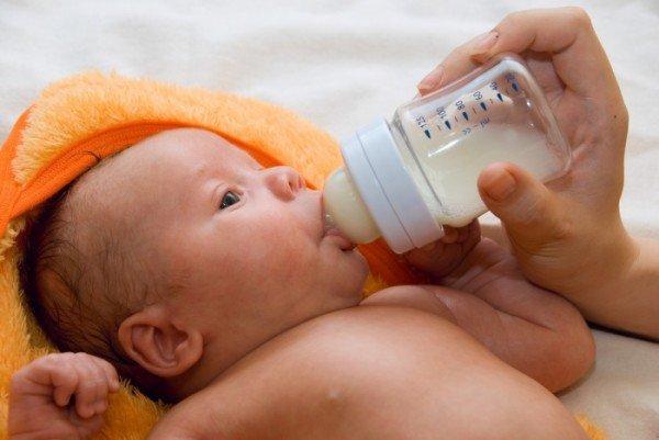 Питание ребенка в 1 месяц: стул месячного малыша