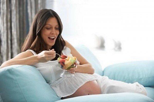 Известные приметы при беременности и суеверия (изжога, стрижка, вязание и др