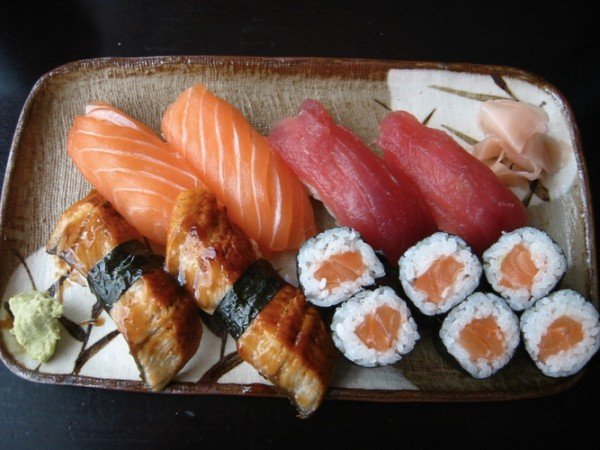 Суши и роллы - блюда японской кухни
