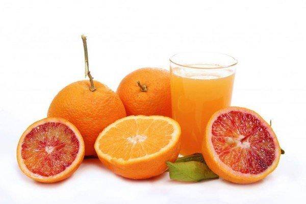 Освежающие напитки из апельсинов
