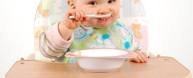Прикорм ребенка: когда и какие продукты вводить