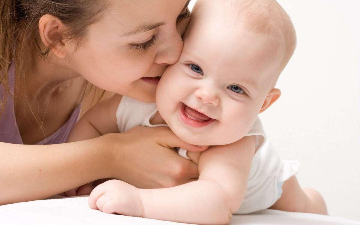 Как ухаживать за новорожденным ребенком