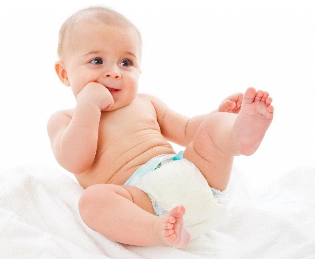 Ребёнок в памперсах