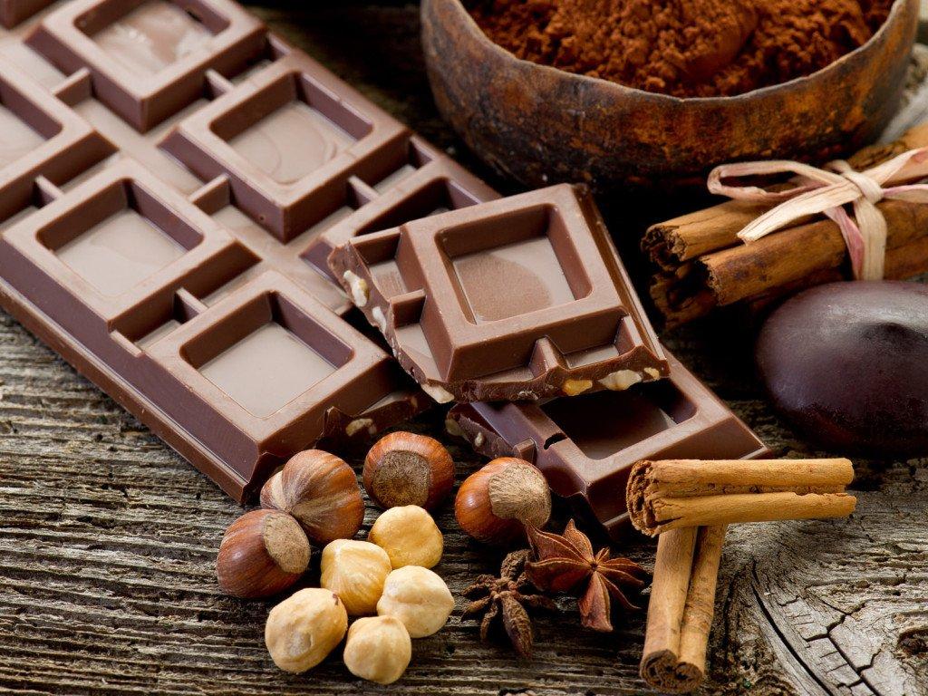 Можно ли есть шоколад женщинам при грудном кормлении?