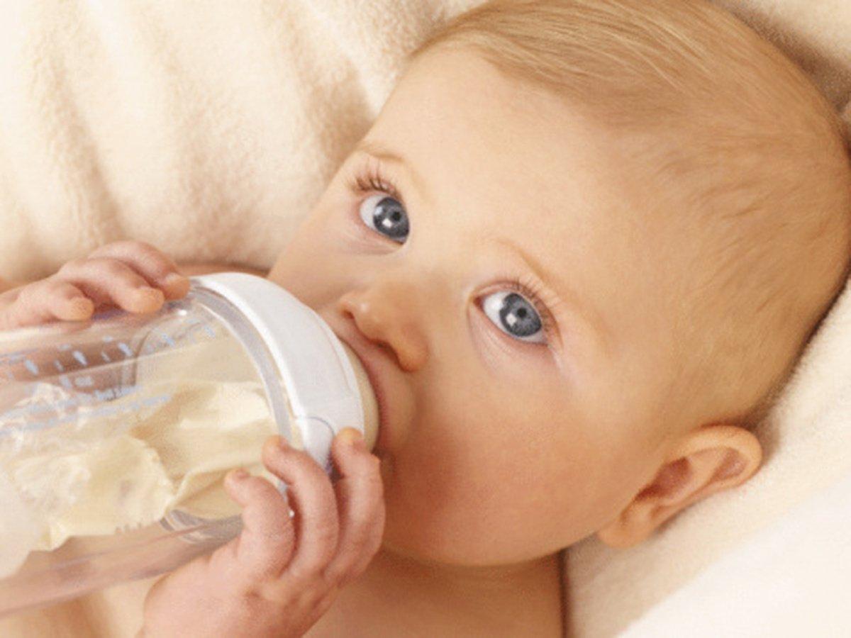 Питание малыша: как выбрать смесь для новорождённого