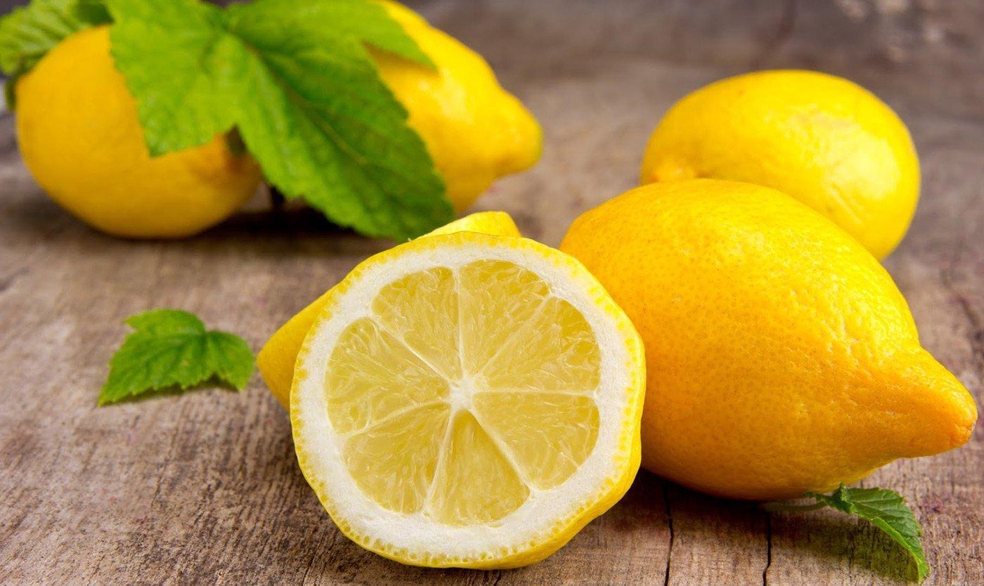 Чем полезен лимон для будущих мам и как его правильно употреблять?