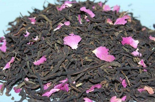 Иван-чай с лепестками шиповника