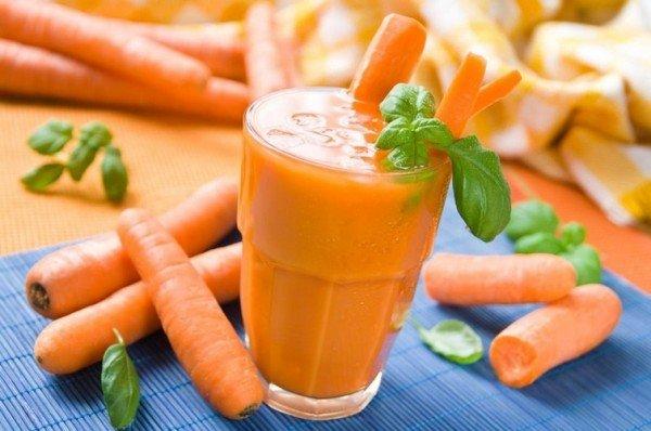 Коктейль из морковного сока с молоком