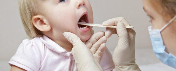 У ребёнка болит горло