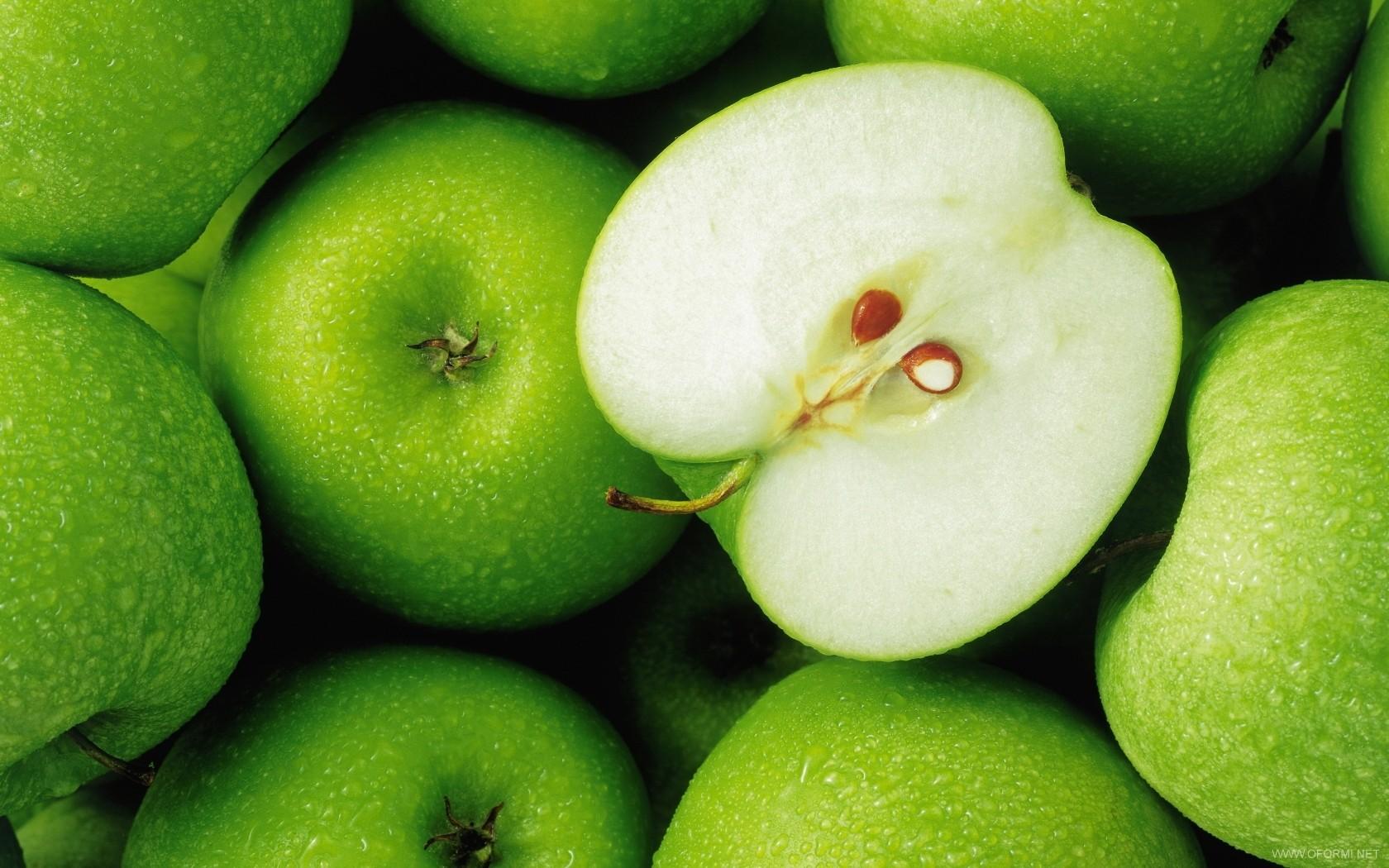 Яблоки для будущих мам — надежный помощник и вкусное лакомство