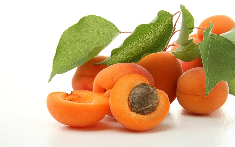 Абрикос — полезный фрукт для будущей мамы