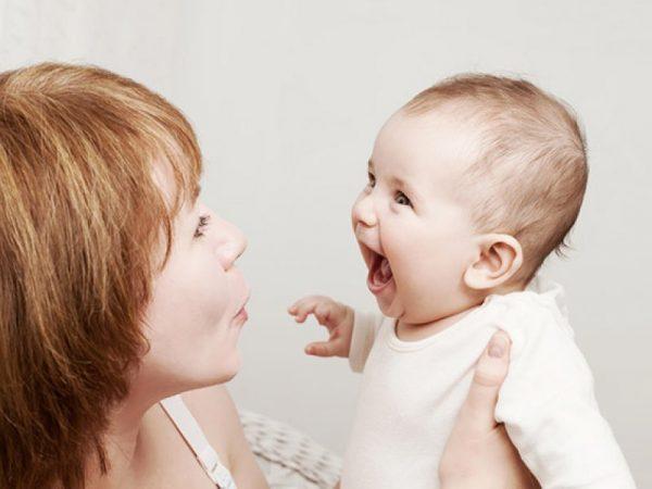 Комплекс оживления у четырёхмесячного ребёнка