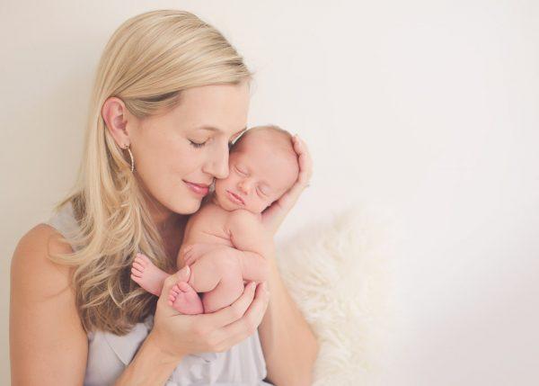 Новорождённый с мамой