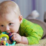 Развитие ребенка в 4 месяца девочка