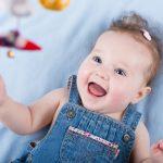 4-ый месяц жизни: ребёнок радуется при виде близких людей