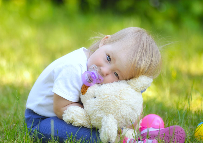Соска для новорождённого и грудничка: когда и как приучить ребёнка к пустышке без вреда для здоровья
