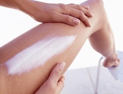 Обработка кожи кремом