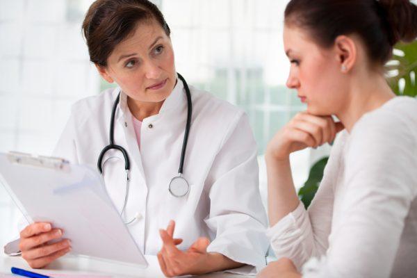 Женшина на приёме у врача